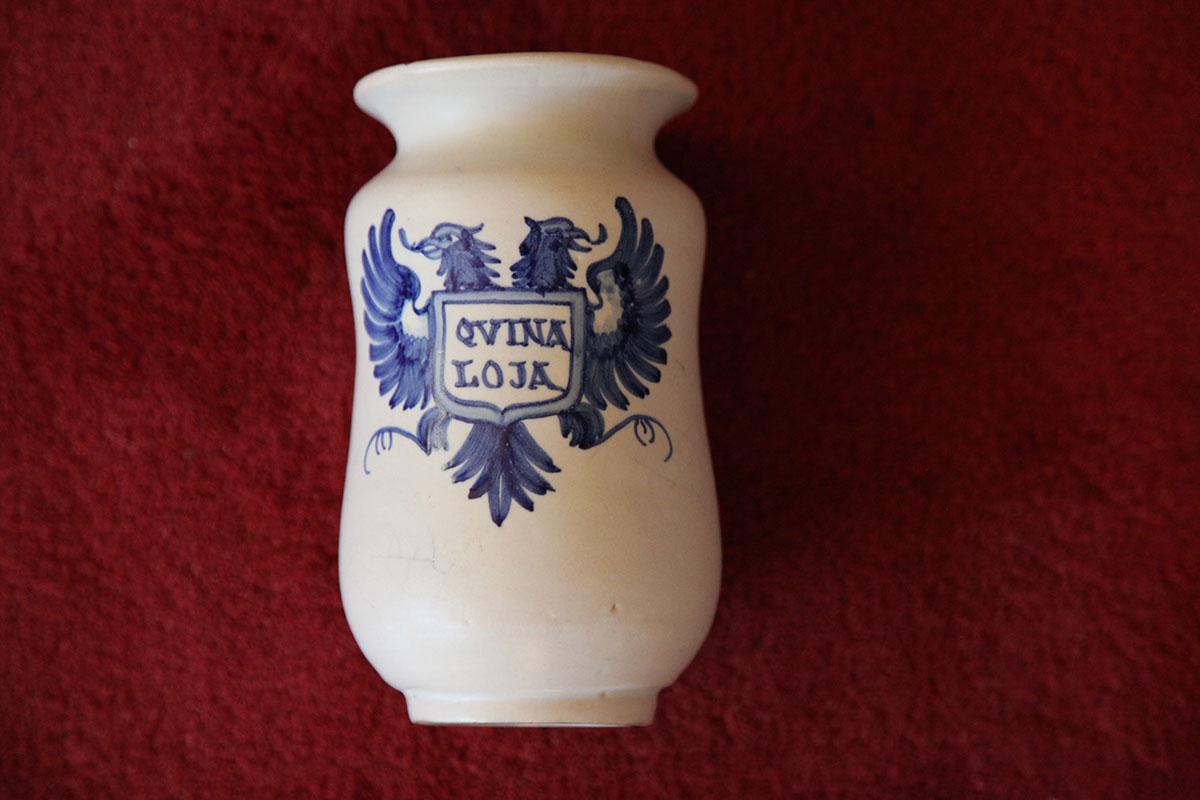 Recipient de ceràmica utilitzat per emmagatzemar quina pols de quina. Foto: Quique Bassat